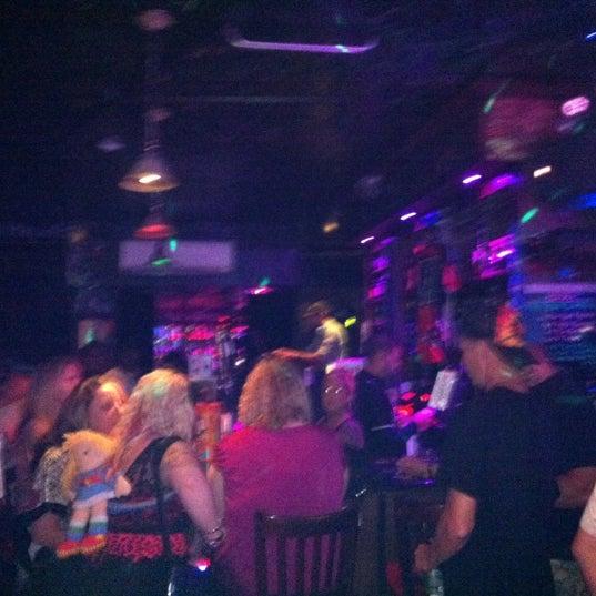 9/1/2012 tarihinde Bobziyaretçi tarafından Raven Lounge'de çekilen fotoğraf