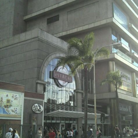 Foto scattata a Shopping Estação da Luci P. il 12/12/2011