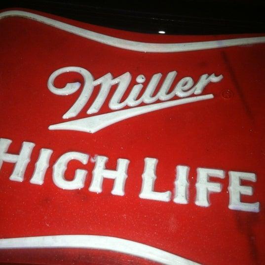 11/13/2011にSara L.がHigh Life Loungeで撮った写真