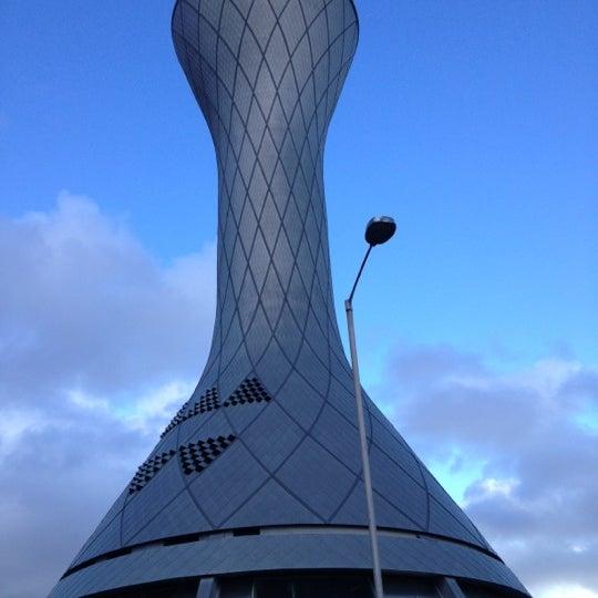 Das Foto wurde bei Edinburgh Airport (EDI) von Viktors P. am 4/17/2012 aufgenommen