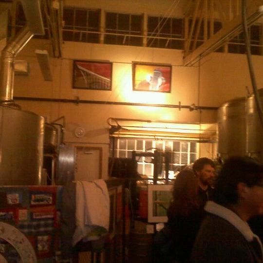 รูปภาพถ่ายที่ Mother Road Brewing Company โดย Thomas B. เมื่อ 12/13/2011