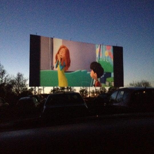 Снимок сделан в Bengies Drive-in Theatre пользователем Timothy D. 4/8/2012