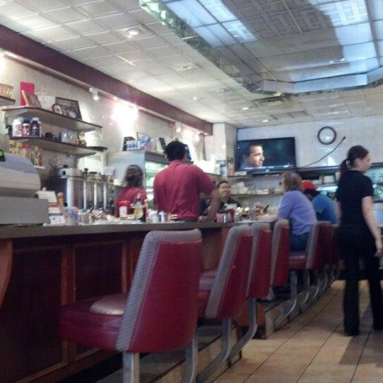 Photo prise au Morning Star Cafe par James B. le8/12/2012