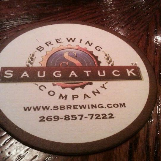 Снимок сделан в Saugatuck Brewing Company пользователем Tom G. 10/14/2011