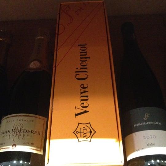 Photo prise au Flatiron Wines & Spirits - Manhattan par Tanya L. le7/12/2012