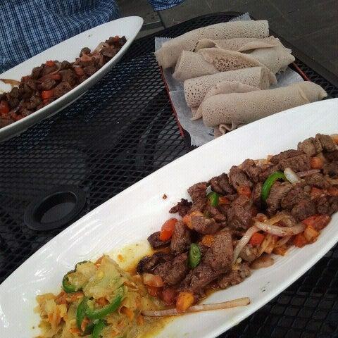 Foto scattata a Desta Ethiopian Kitchen da charles il 8/10/2012