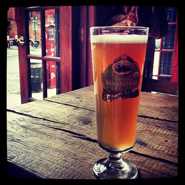Photo prise au Bar Great Harry par Haley P. le6/3/2012