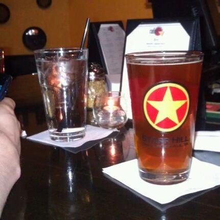 Foto tomada en Radius Pizza por Michelle C. el 12/26/2011