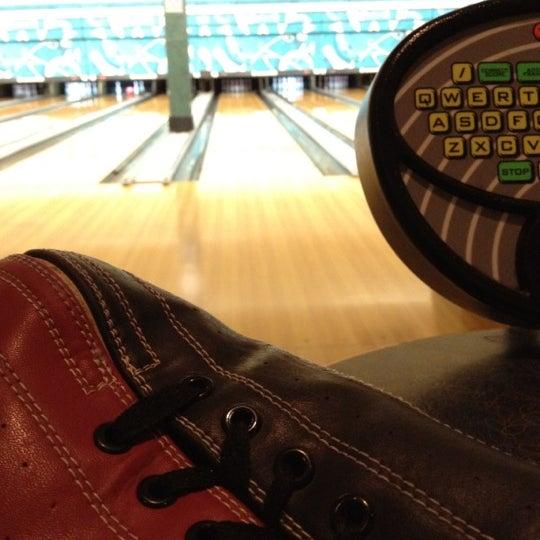 รูปภาพถ่ายที่ Park Tavern Bowling & Entertainment โดย David S. เมื่อ 6/14/2012