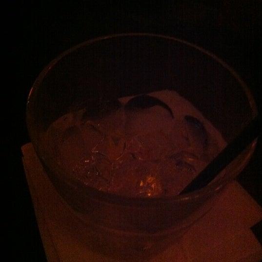 Снимок сделан в Barramundi Bar пользователем Caroline J. 4/15/2012