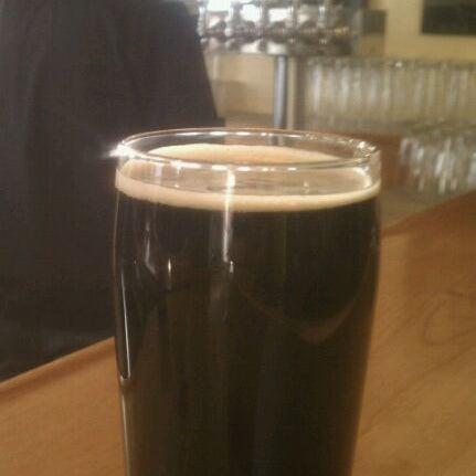 รูปภาพถ่ายที่ Mother Road Brewing Company โดย Rob K. เมื่อ 3/1/2012