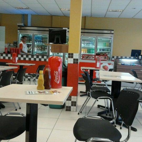 Foto diambil di Eco Lanches oleh Henrique F. pada 3/9/2012