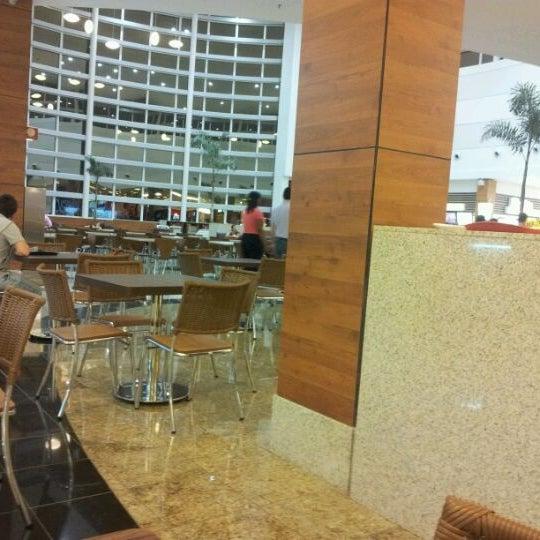 รูปภาพถ่ายที่ Shopping Park Europeu โดย ✨🌟Fabian J. เมื่อ 5/27/2012