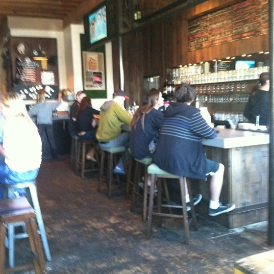Das Foto wurde bei Raglan Public House von Lisa K. am 3/23/2012 aufgenommen