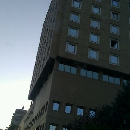 Das Foto wurde bei Grand Hotel Gaziantep von Gaziantep E. am 5/15/2012 aufgenommen