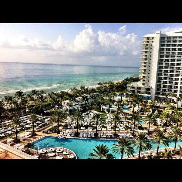 Photo prise au Fontainebleau Miami Beach par ana claudia v. le7/28/2012