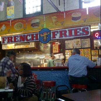 5/15/2012にTodd S.がJ.R.'s Fresh Cut French Friesで撮った写真