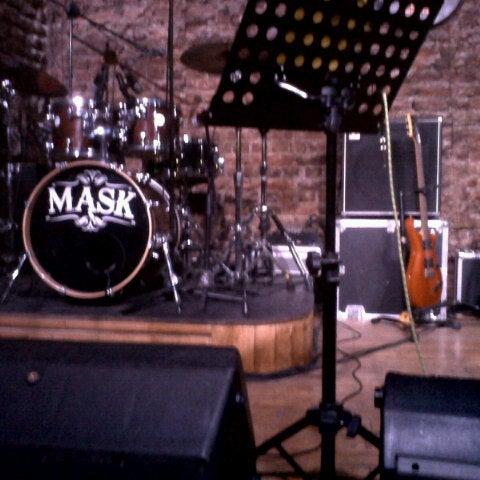 Foto diambil di Mask Live Music Club oleh Cagri C. pada 7/11/2012