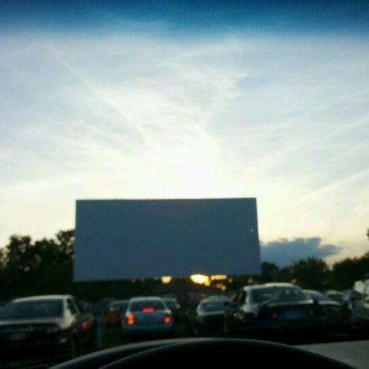 Снимок сделан в Bengies Drive-in Theatre пользователем Alexa W. 6/24/2012