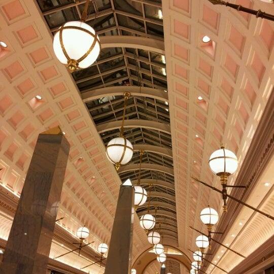 Foto tomada en Centro Comercial Gran Vía 2 por Cristina G. el 12/20/2011