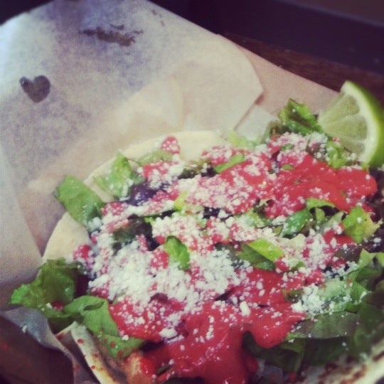 Снимок сделан в Brooklyn Taco Company пользователем Judy P. 6/8/2012