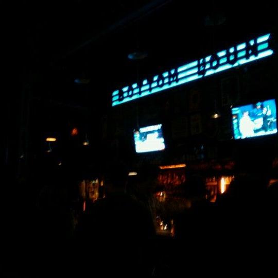 Photo prise au Bottom Lounge par Renny B. le1/28/2012
