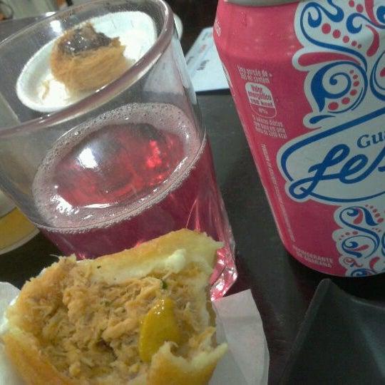 Das Foto wurde bei Santa Coxinha von Fernanda am 5/4/2012 aufgenommen