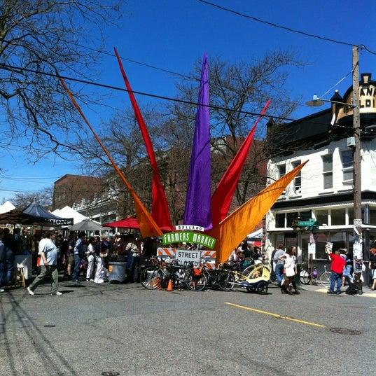 Photo prise au Ballard Farmer's Market par Kathryn le4/22/2012