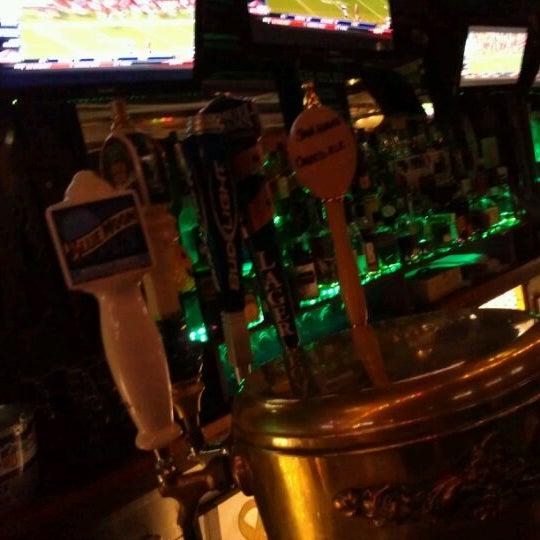 Foto scattata a Bourbon Street Restaurant and Catering da Dean il 10/17/2011