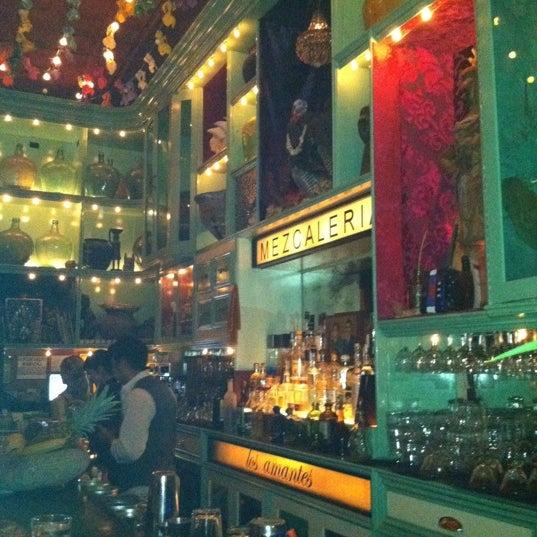 Foto tomada en Casa Mezcal por Robyn R. el 7/8/2011