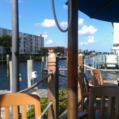 Photo prise au Bimini Boatyard Bar & Grill par Jeff M. le6/18/2012