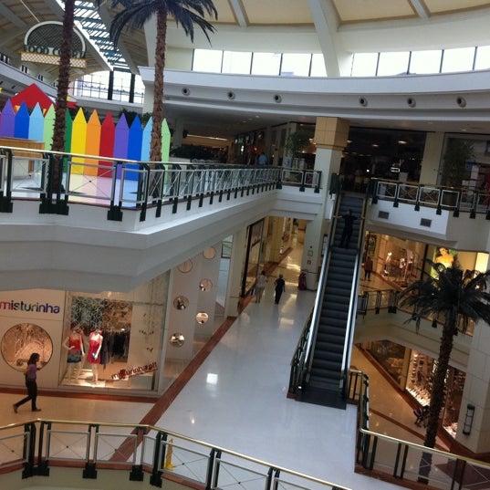 Das Foto wurde bei Shopping Iguatemi von Gustavo J. am 1/31/2011 aufgenommen