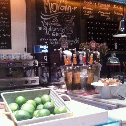 Das Foto wurde bei Mercado de la Reina von Alberto M. am 6/13/2012 aufgenommen