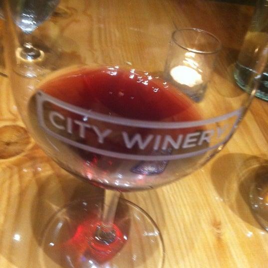 8/21/2012 tarihinde Nicole P.ziyaretçi tarafından City Winery'de çekilen fotoğraf