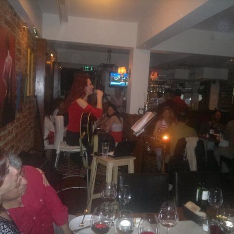Das Foto wurde bei Mekan Kalamış Sakman Club von Behiç B. am 5/26/2012 aufgenommen