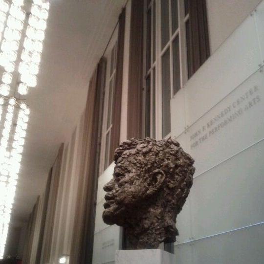 Снимок сделан в The John F. Kennedy Center for the Performing Arts пользователем Mell 1/16/2012