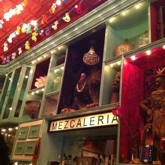 Foto tomada en Casa Mezcal por Katie P. el 9/3/2011