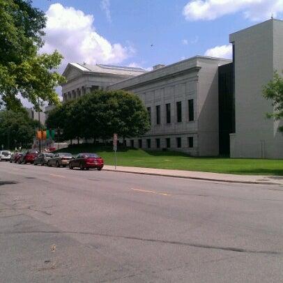 Foto tirada no(a) Minneapolis Institute of Art por Greg v. em 7/27/2012