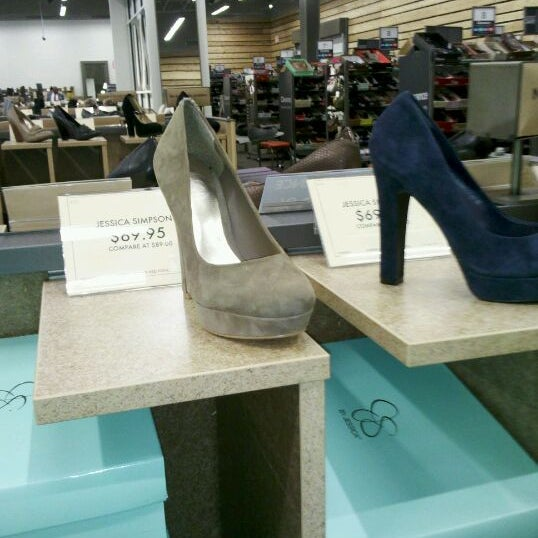 55ff507e610 Photo taken at DSW Designer Shoe Warehouse by Racheal🙊🍹 on 12 16