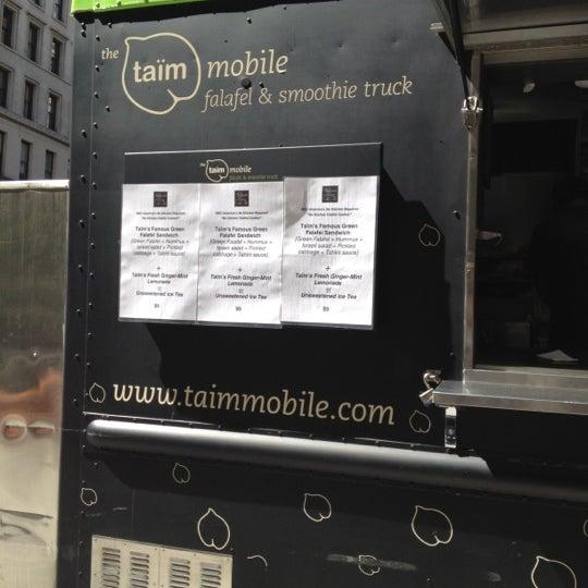 4/3/2012 tarihinde Alan G.ziyaretçi tarafından Taïm Mobile Falafel & Smoothie Truck'de çekilen fotoğraf