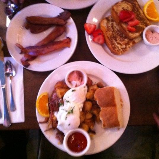 6/16/2012 tarihinde Peter S.ziyaretçi tarafından Good Enough to Eat'de çekilen fotoğraf