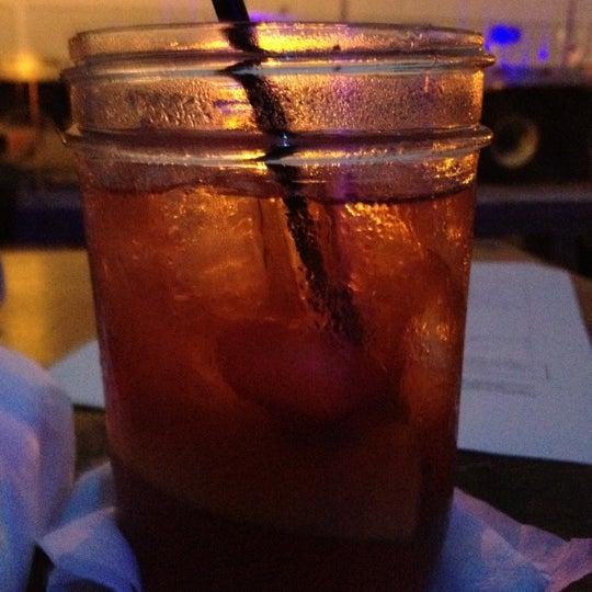 Das Foto wurde bei Uptown Tavern von Ludick am 9/13/2012 aufgenommen