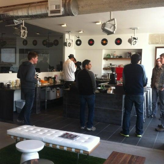 Das Foto wurde bei Elite Audio Coffee Bar von Mike S. am 2/14/2012 aufgenommen