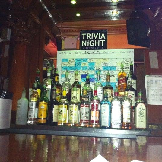 Foto tomada en Playwright Celtic Pub por Ana Rosa S. el 3/28/2011