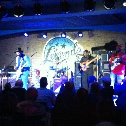 Foto tirada no(a) Buddy Guy's Legends por Bret D. em 1/8/2011