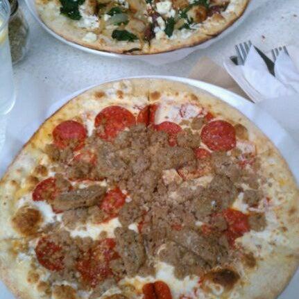 Photo prise au Cafesano par Chris N. le9/18/2011