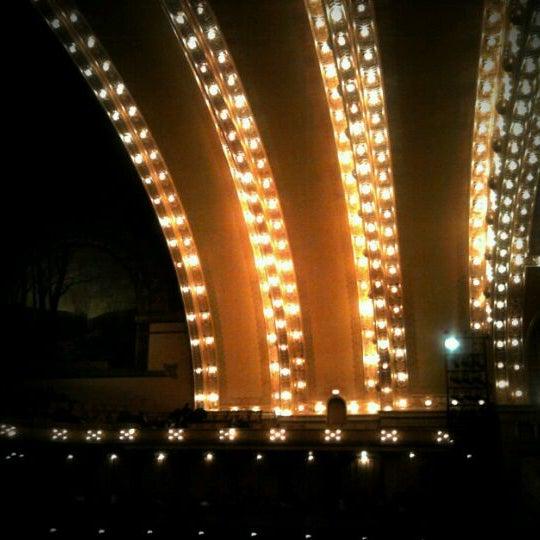 Foto diambil di Auditorium Theatre oleh Aron D. pada 12/16/2011