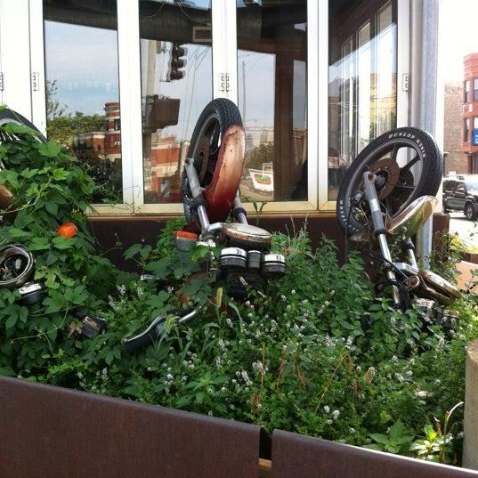 Снимок сделан в Twisted Spoke пользователем Brian D. 8/4/2012