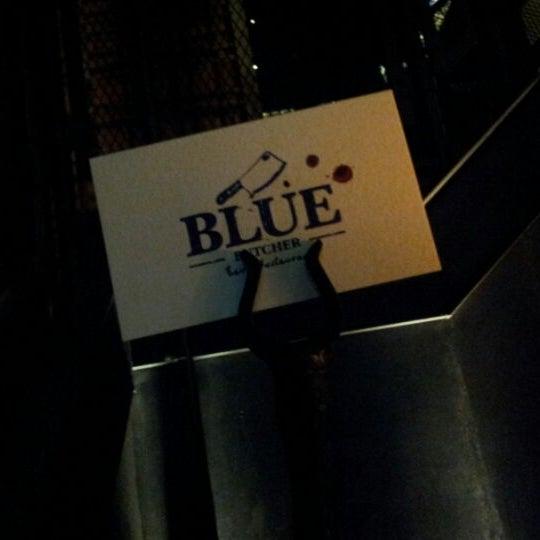 Das Foto wurde bei Blue - Butcher & Meat Specialist von Ruslan K. am 6/7/2012 aufgenommen