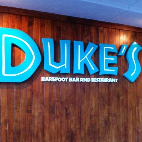 6/25/2012에 Carlomagno I님이 Duke's Waikiki에서 찍은 사진